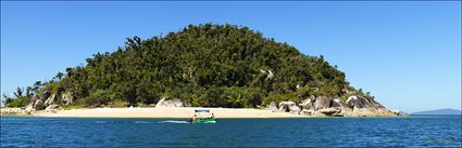 Boating - Hudson Island - QLD (PBH4 00 14721)